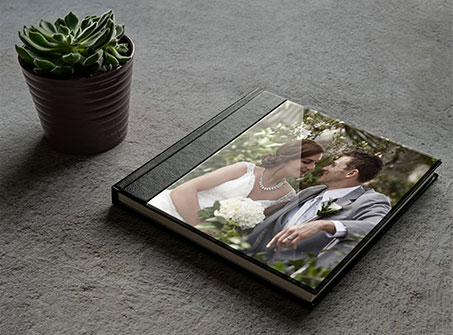 Custom wedding album cover materials and finishes in Dubai, UAE